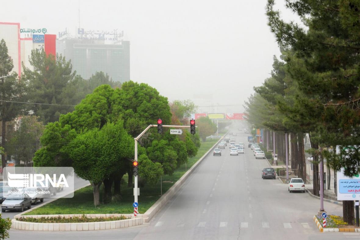 خبرنگاران نخستین ایستگاه سنجش آلودگی هوا در لامرد به بهره برداری رسید