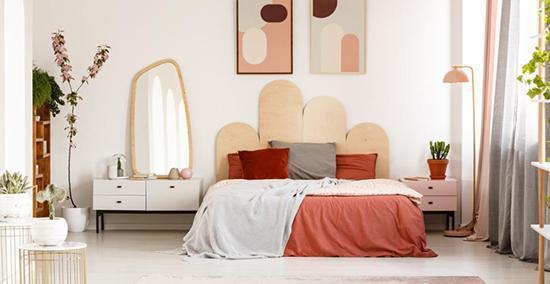 6 ترفندِ بدون هزینه برای بزرگتر کردن اتاق خواب
