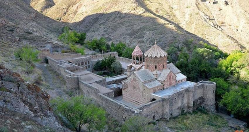 معرفی 10 کلیسای تاریخی ایران